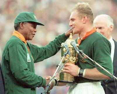 Nelson Mandela and Springbok's captian Francois Pienaar in 1995